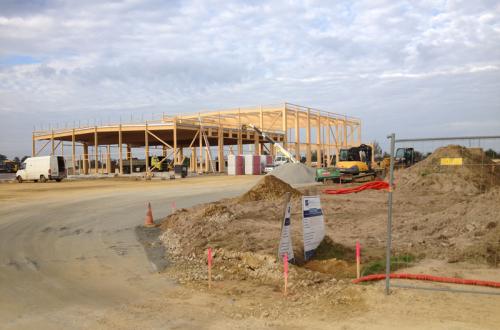 Construction de la charpente bois du bâtiment