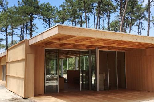 Charpente en bois lamellé-collé pour logement individuel